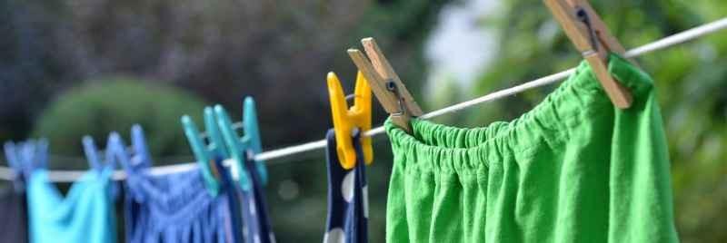 Kläder på en tvättlinje